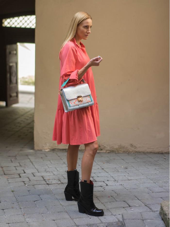 Universalaus dydžio rožinė suknelė