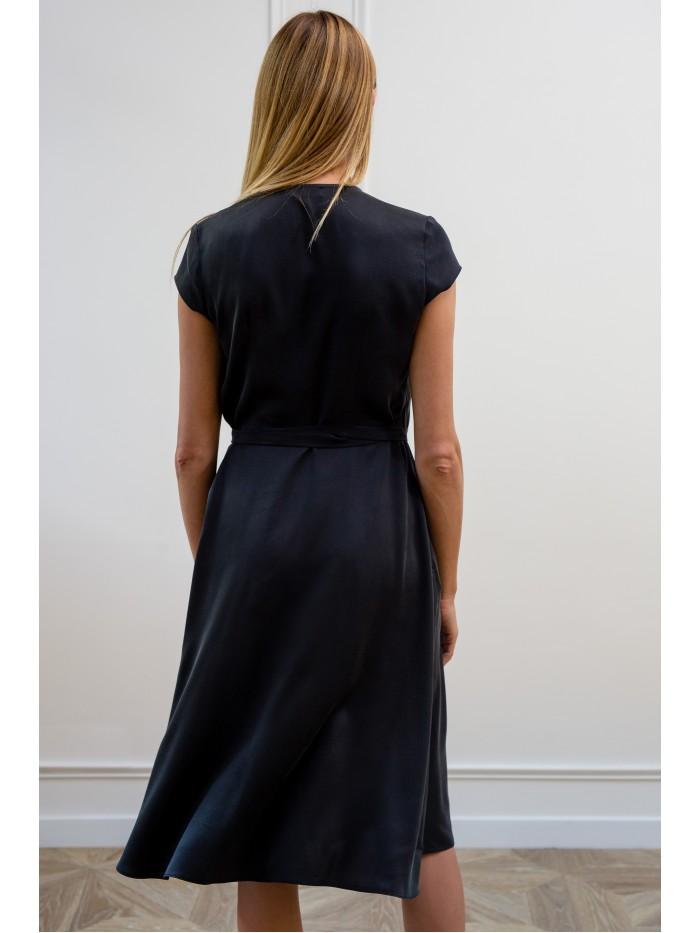 Šlapio šilko suknelė